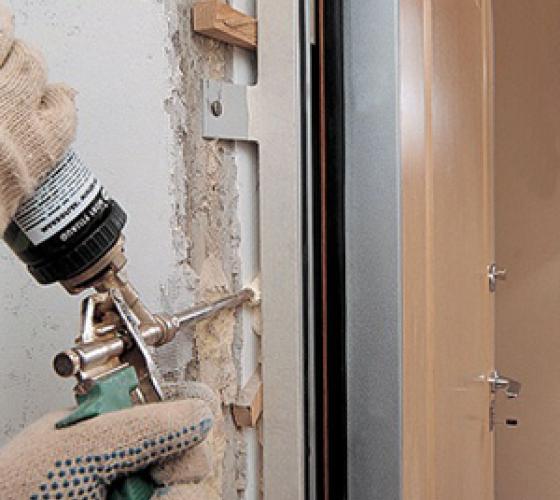 не качественный ионтаж входной дверью