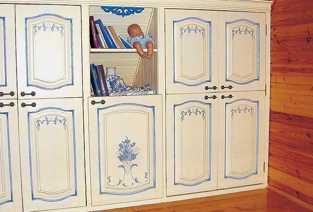 Как перекрасить шкаф своими руками