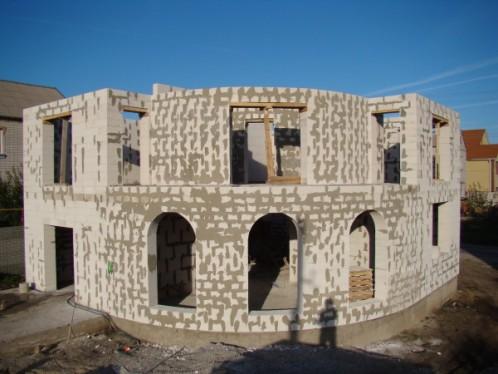 Самый дешевый вариант строительства дома своими руками